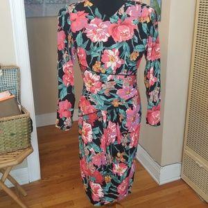VTG Beautiful Floral Barbara Barbara Wrap Dress